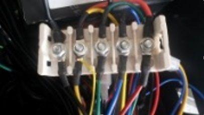 Krabička na propojení kabeláže na elektrickou koloběžku