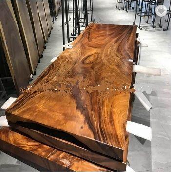 Luxusní ořechové stoly